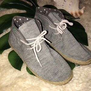 Sanuk chukka Boot